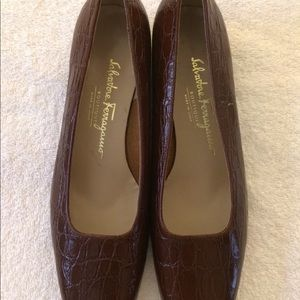 Salvatore Ferragamo Boutique Brown Leather Heels